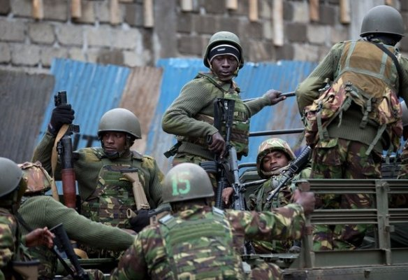 k52-Trucks-of-soldiers-from-the-Kenya-Defense-Forces-arrive-after-dawn-outside-the-Westgate-Mall-in-Nairobi-Kenya-Sunday-Sept.-22-2013.