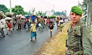 Rwandan-refugees-flee-the-fighting-in-1994.-300x180