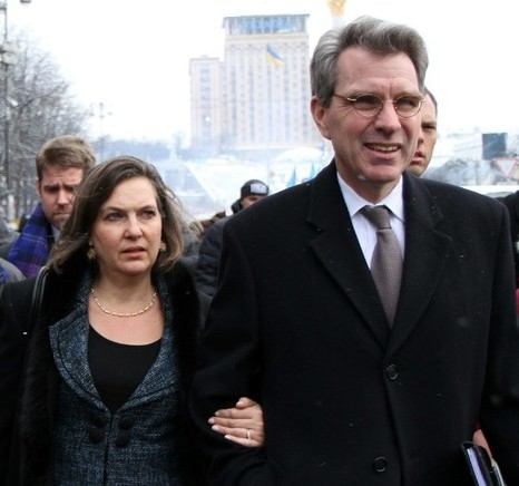 Victoria-Nuland-and-Geoffery-Pyatt-e1397199094624