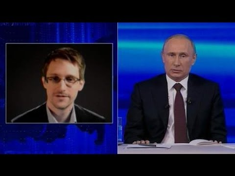 Russian-President-Vladimir-Putin-and-Edward-Snowden