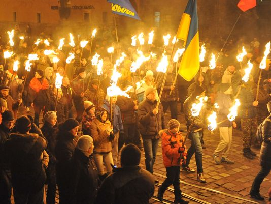 Torchlight-ceremony-in-Kiev-Jan.-1-2014-honoring-Nazi-collaborators.