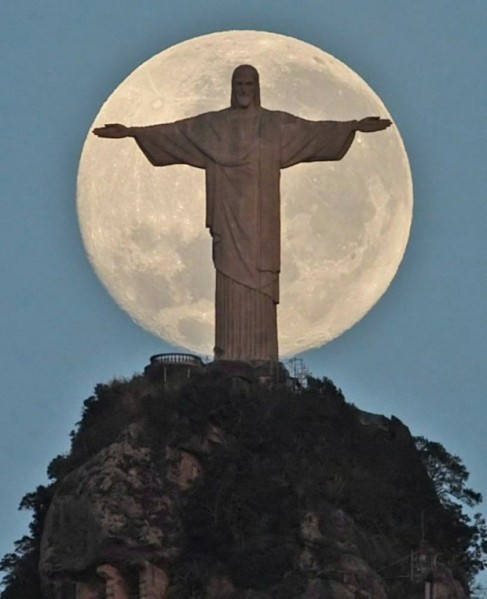 Jesus watches over Brazil